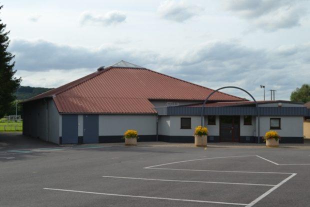 Salle polyvalente de Volmerange-lès-Boulay, lieu principal des manifestations de la MJC de Volmerange-lès-Boulay. Activités : Théâtre, fêtes, Yoga, Gym...